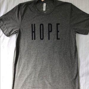 """GRAY GRAPHIC TEE SHIRT """" HOPE"""""""